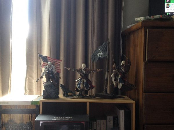 Assassins Creed Statues